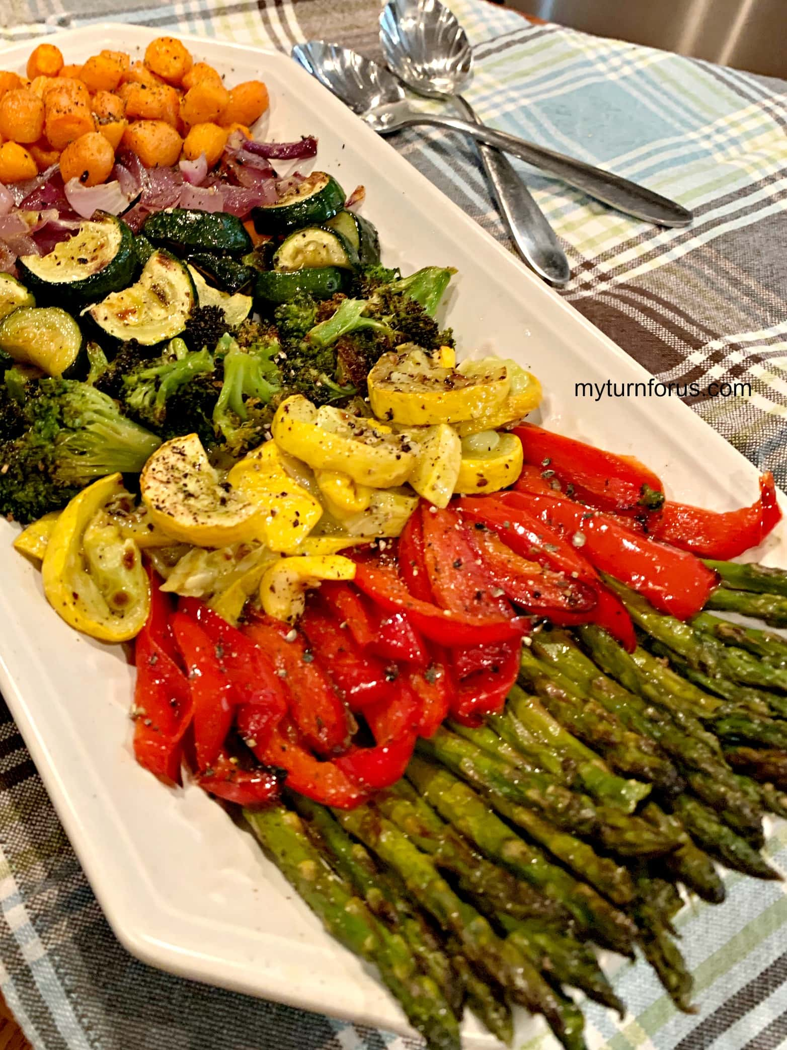 veggies for dinner, roasted vegetable platter, platter with roasted asparagus, bell pepper, squash, onions and carrots