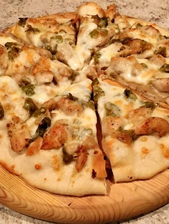 Grilled Pizza with Garlic Chicken and Green Chile