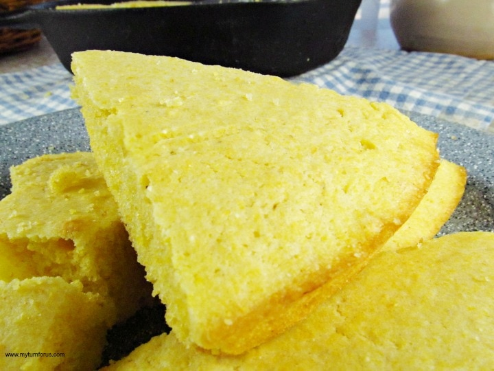 cast iron cornbread, traditional cornbread