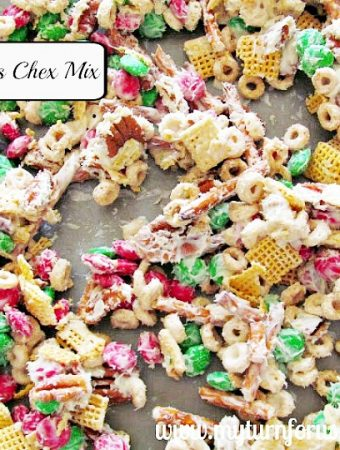How to make Easy Christmas Chex Mix Reindeer Chow