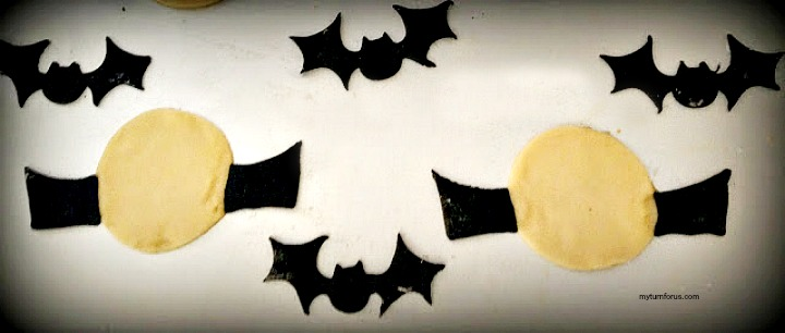 Bat Halloween cookies with royal icing