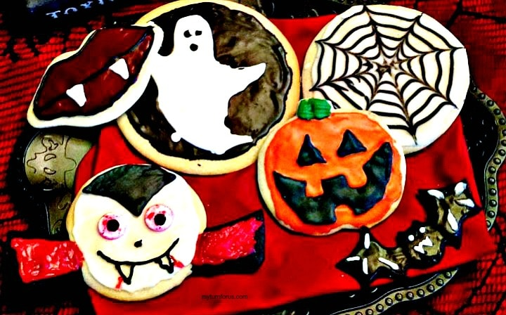 Halloween cookies with royal icing
