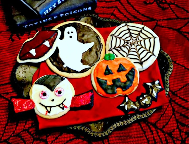 royal icing Halloween cookies, Halloween cookies with royal icing, Simple sugar cookies