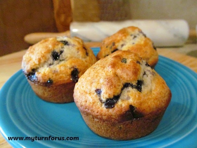 American blueberry muffins, blueberry muffins with cream cheese