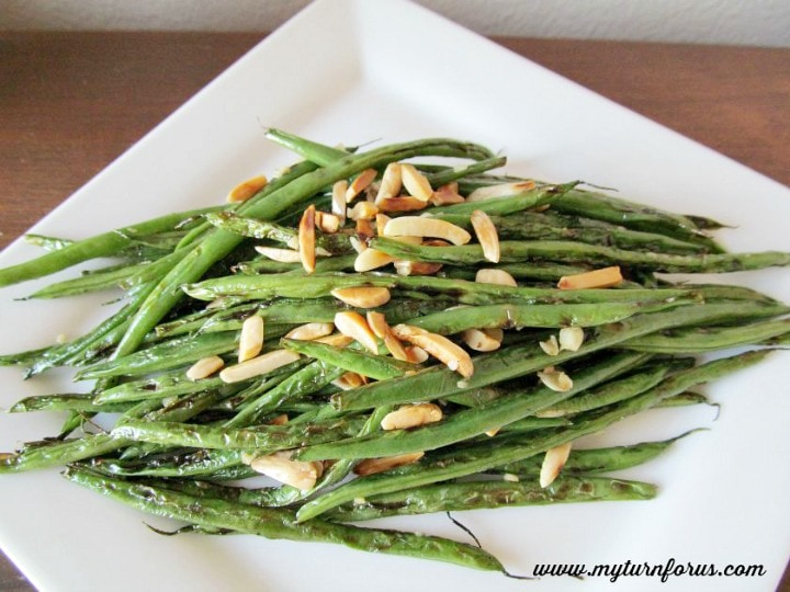 stir-fry green beans, garlicky green beans, fresh green beans