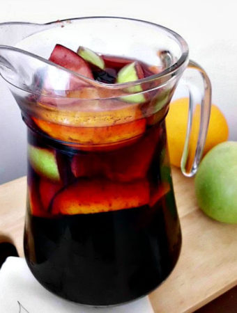How to make the Best Fall Sangria one of 52 seasonal cocktails