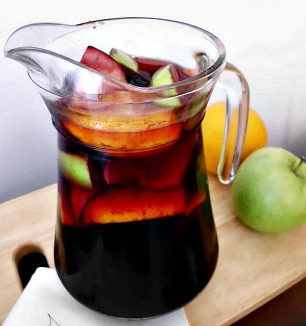Fall Sangria, Seasonal Cocktails, spiced sangria recipe
