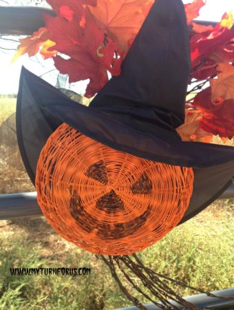 Make this Easy Pumpkin Face Halloween Witch Decoration