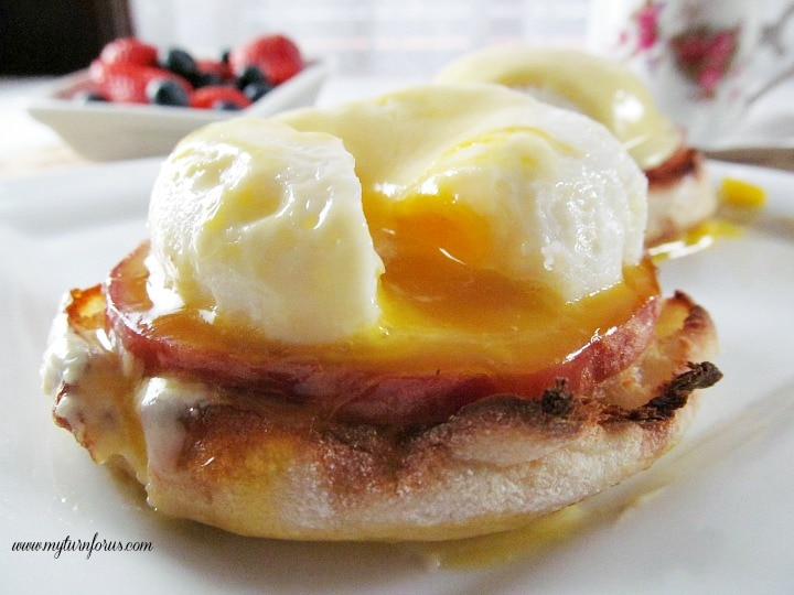 Eggs Benedict with classic hollandaise sauce