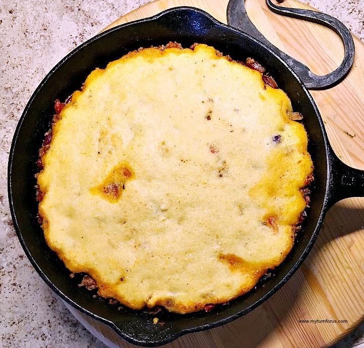 Chili Cornbread Pie, chili cornbread casserole, cornpone pie