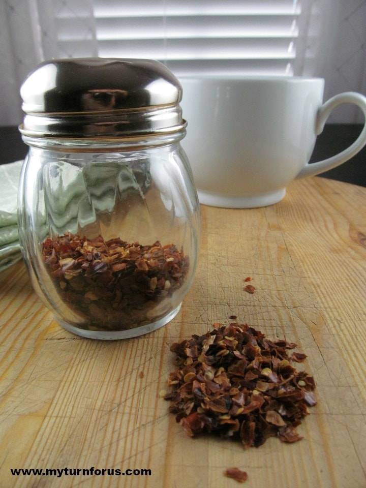 crushed red pepper for chicken sopa recipe or spicy Mexican soup