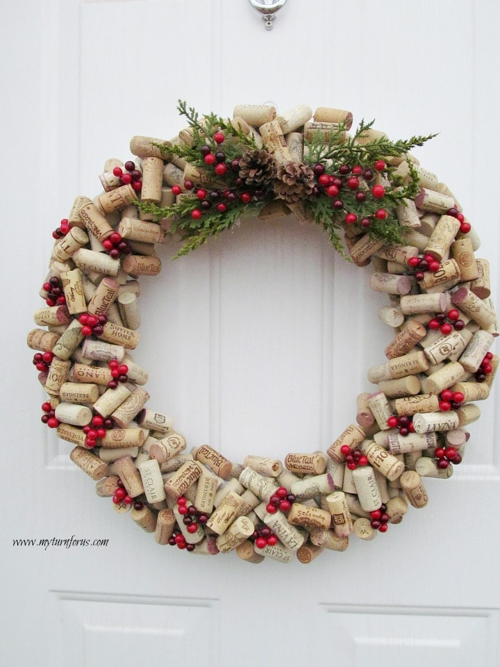 wine corks wine cork crafts christmas wreath christmas wreath ideas - How To Make A Christmas Wreath