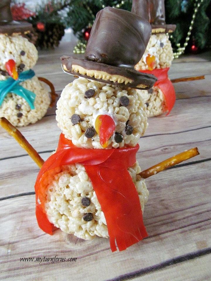 Christmas Rice Krispie Treats, snowmen rice krispie treats, Christmas Rice Krispies