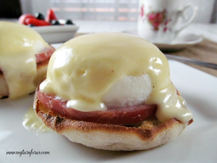 Easy Eggs Benedict, basic hollandaise sauce, classic hollandaise sauce, best Eggs Benedict
