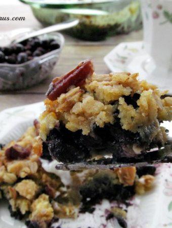 How to Make a Easy Blueberry Dump Cake Cobbler