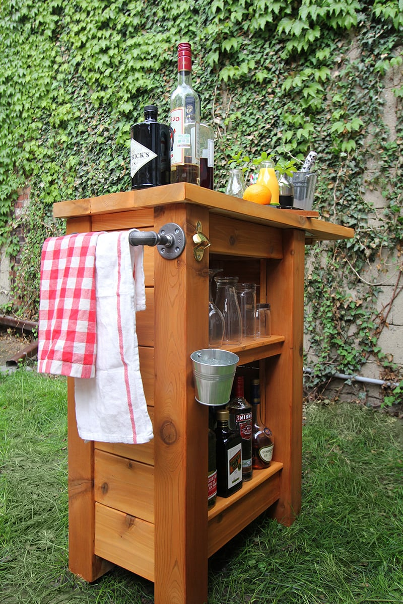 DIY Backyard Bar