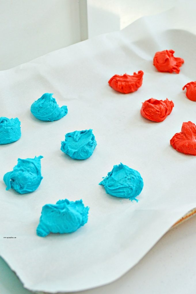 red white and blue patriotic cookies, sandwich cookies, cake mix cookies