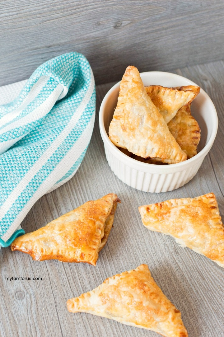 mini apple turnovers with puff pastry, apple pie filling