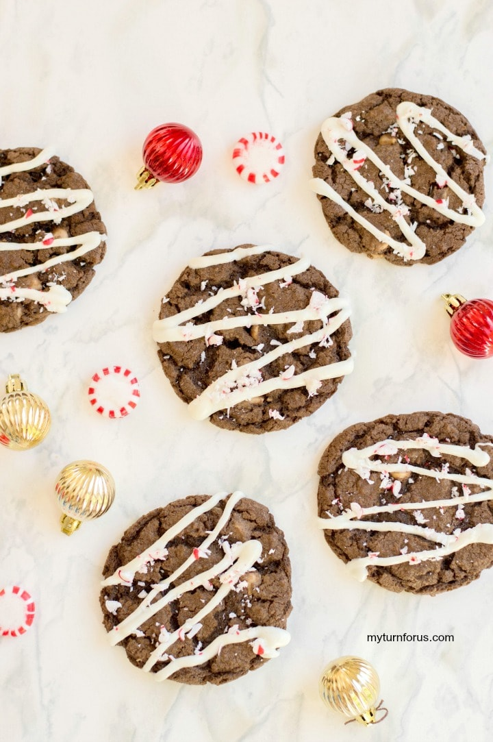 chocolate caramel cookies with peppermint,