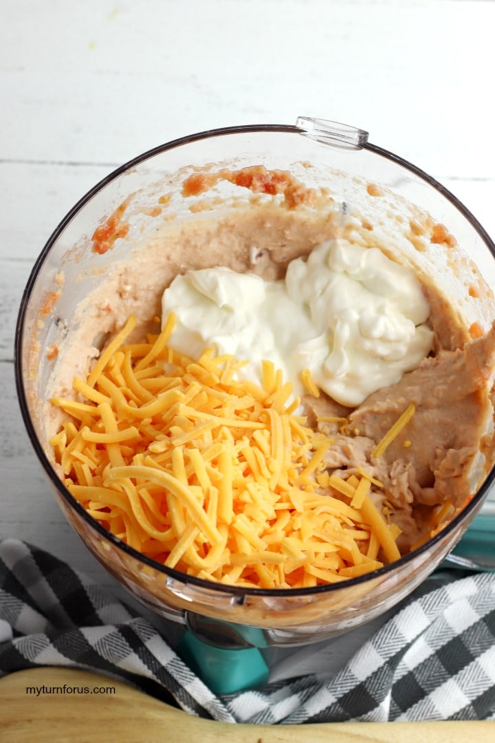 Rotel and cream cheese in food processor