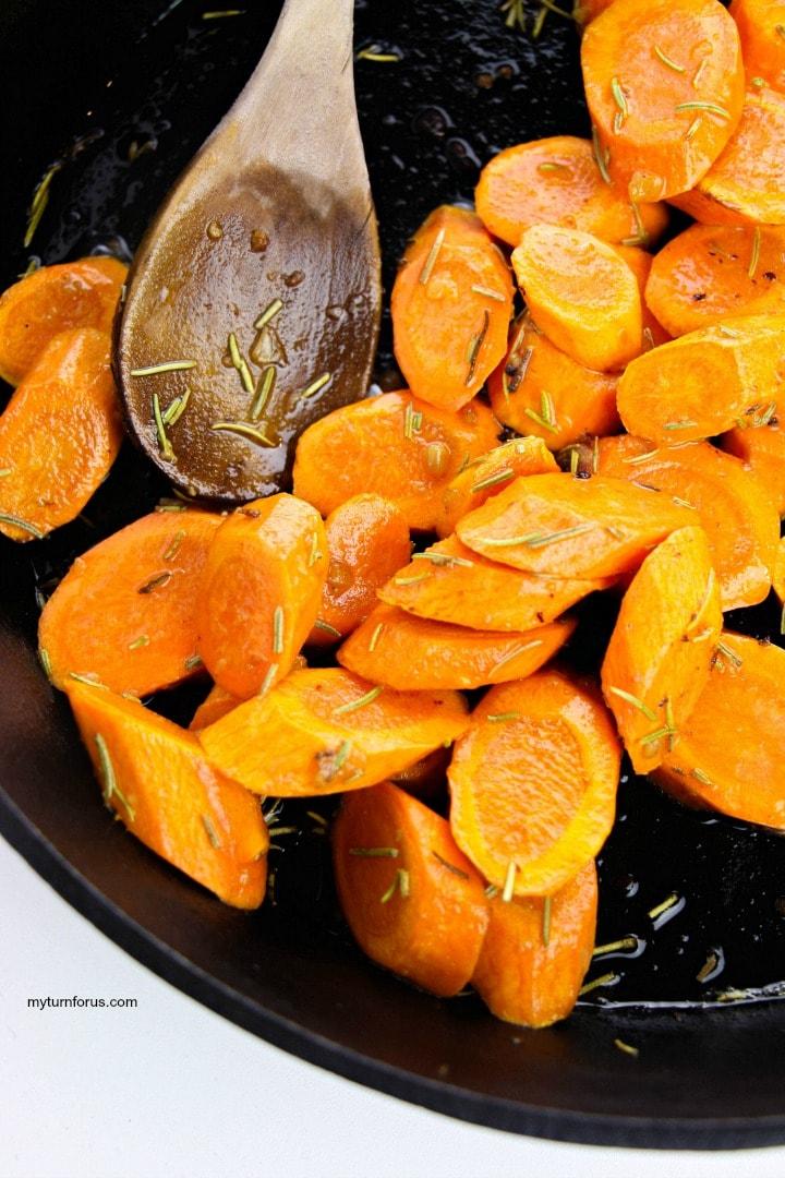 rosemary carrots in skillet