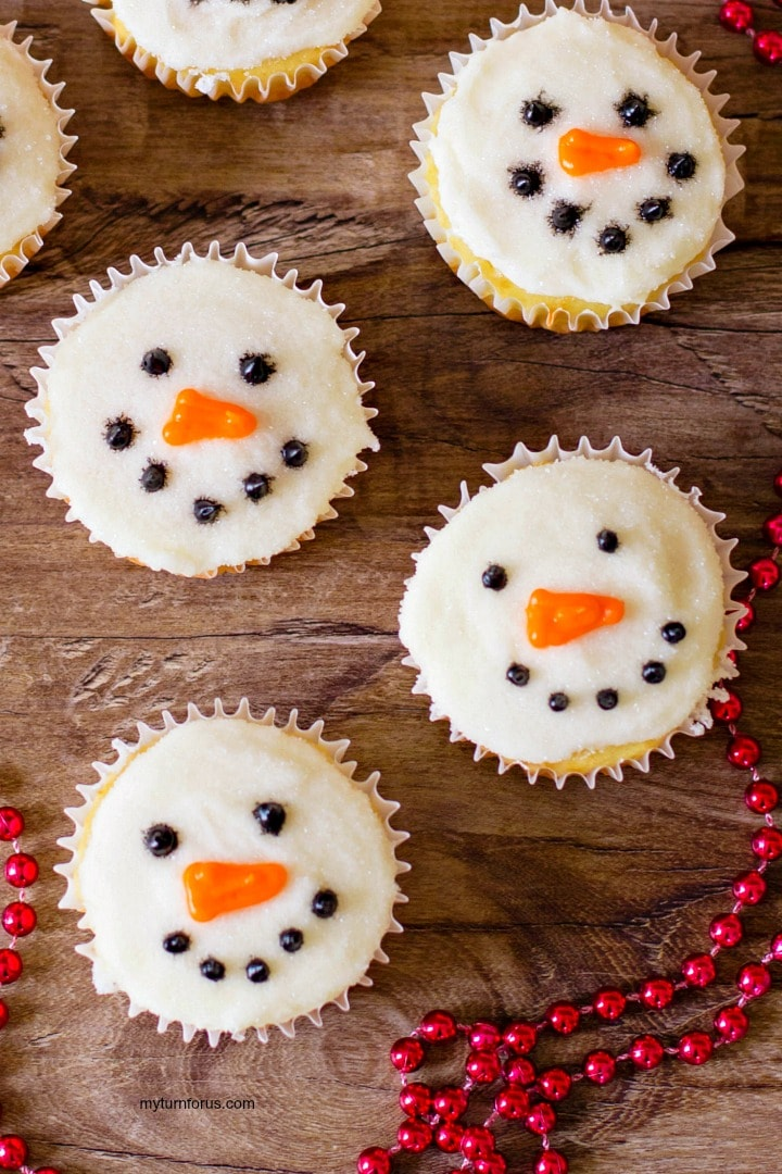 Snowmen Cupcake Faces