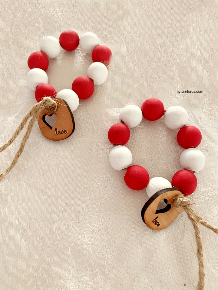 valentine napkin rings with wood beads
