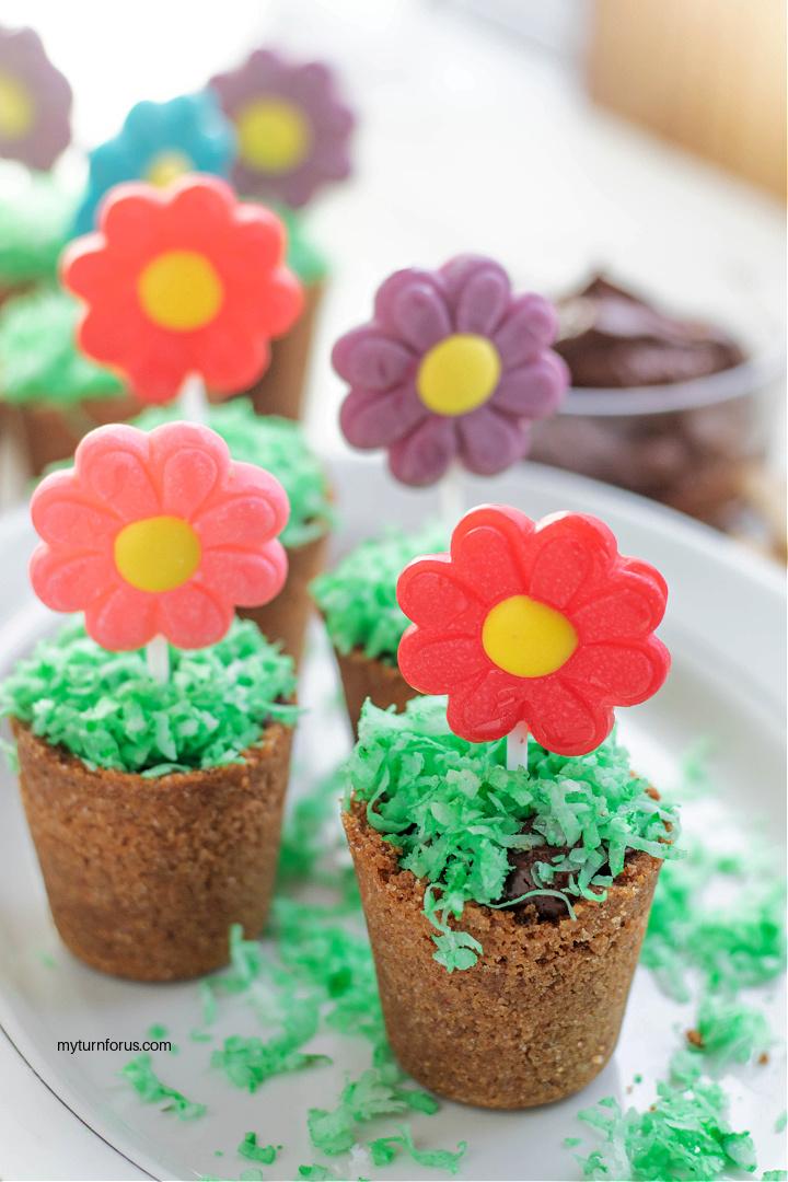 Flower Pot Dessert cups with lollipop flower