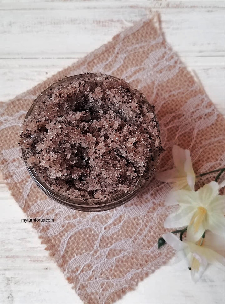 coffee vanilla scrub in a mason jar
