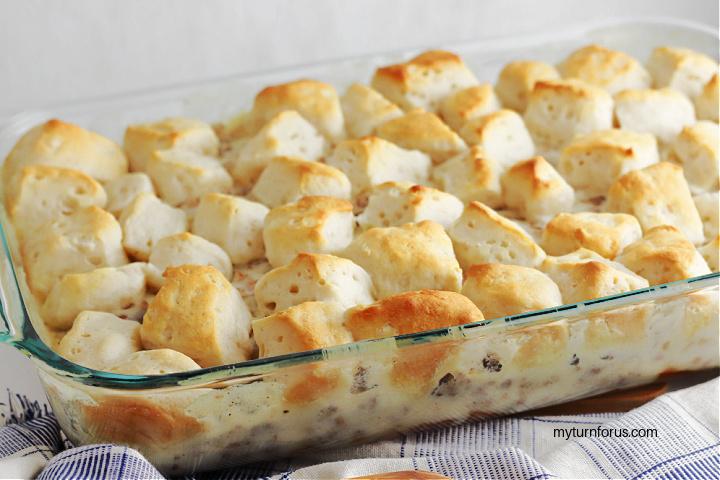 breakfast biscuits and gravy casserole